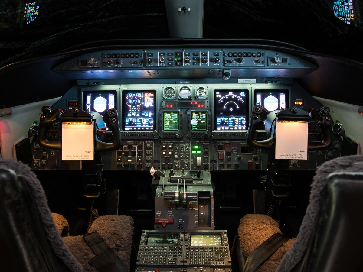2004 Learjet 45XR Photo 5