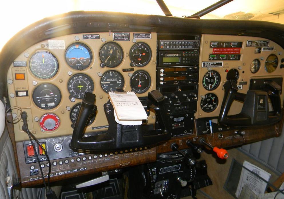 1980 CESSNA TU206G Photo 6