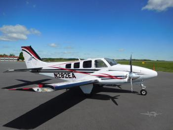 2004 BEECHCRAFT 58 BARON - Photo 2
