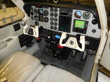 2004 BEECHCRAFT 58 BARON - Photo 8