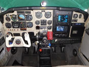 1987 BEECHCRAFT F33A BONANZA - Photo 2