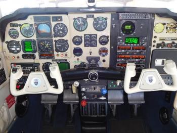 1991 BEECHCRAFT F33A BONANZA - Photo 3