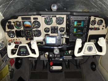 1991 BEECHCRAFT F33A BONANZA  - Photo 2