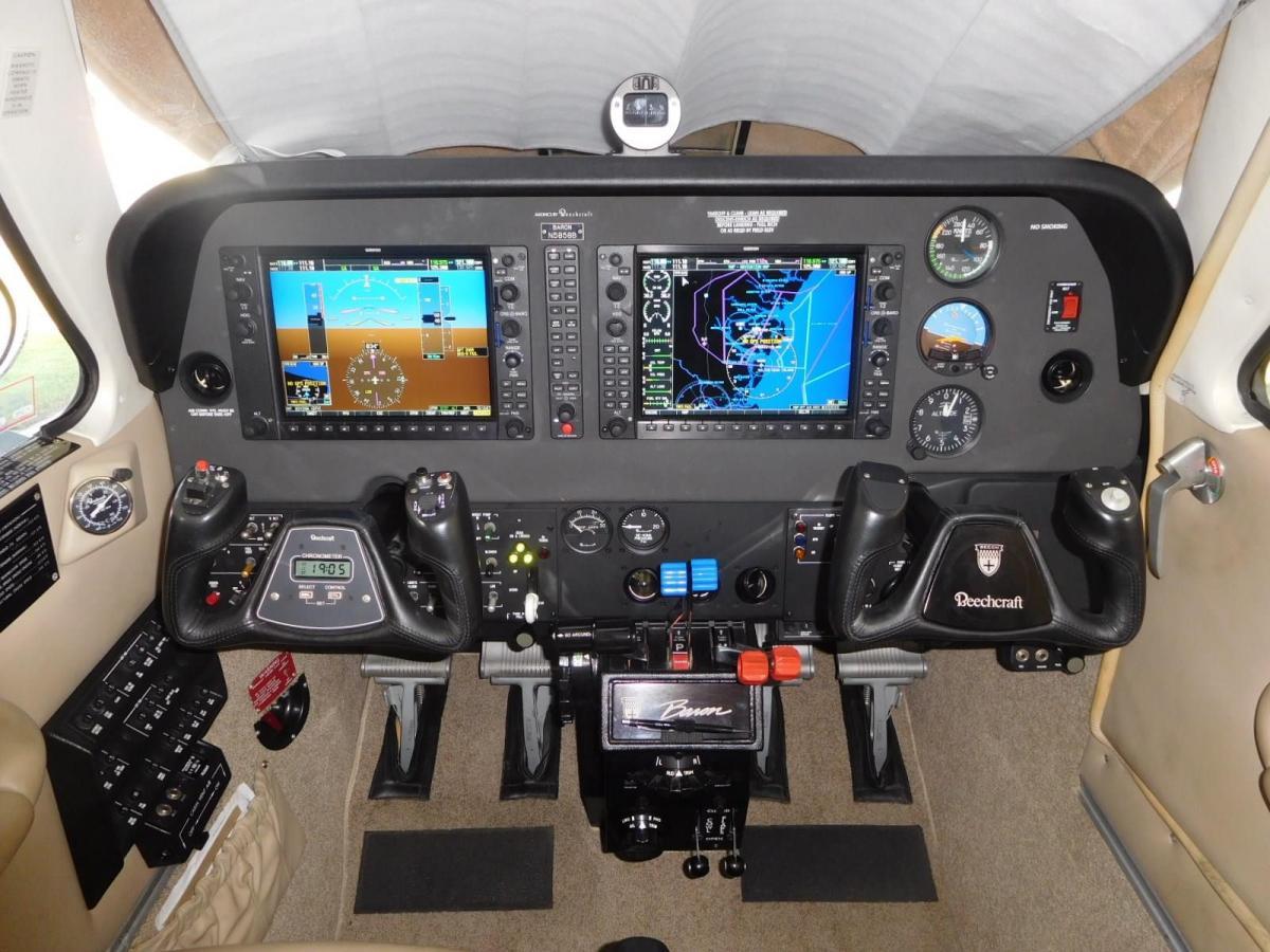 2011 BEECHCRAFT G58 BARON Photo 3