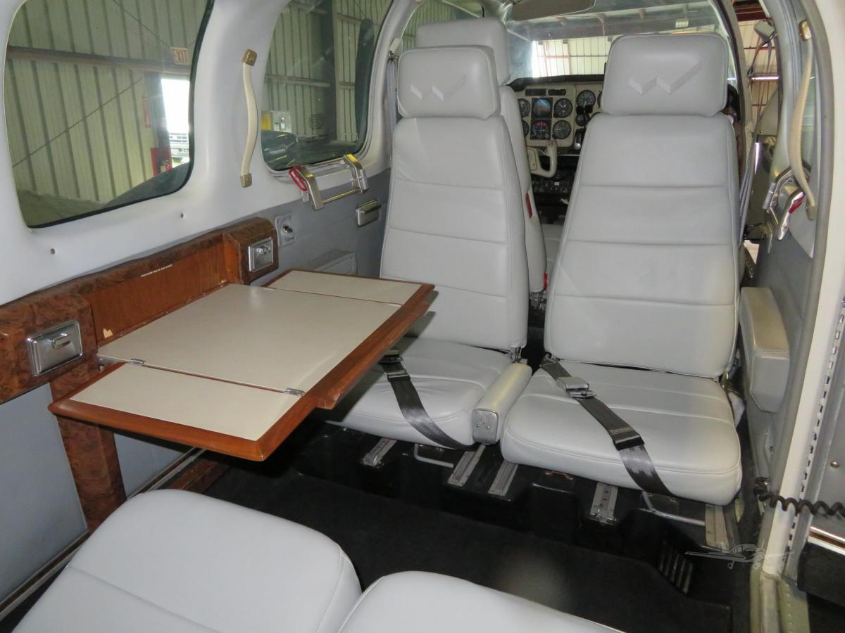 1979 BEECHCRAFT 58 BARON Photo 4