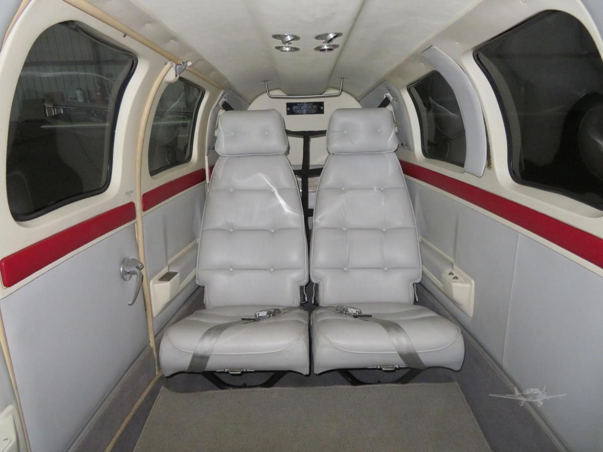 1992 BEECHCRAFT 58 BARON Photo 4