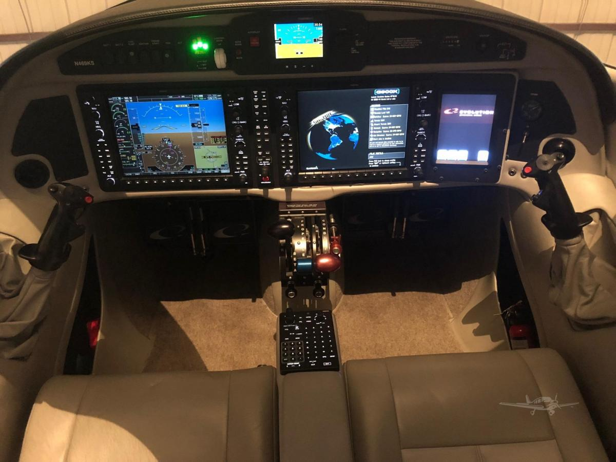 2015 LANCAIR EVOLUTION Photo 6