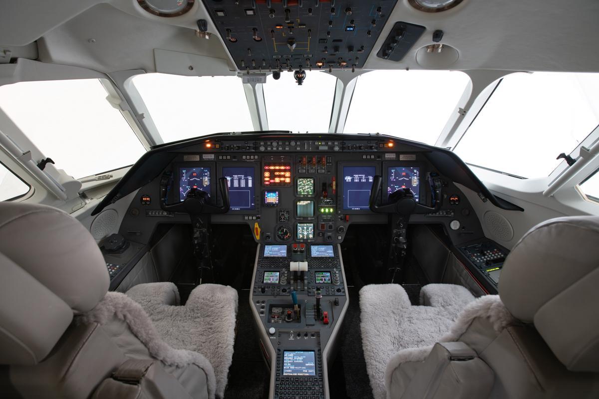 2003 Dassault Falcon 2000 EX Photo 5