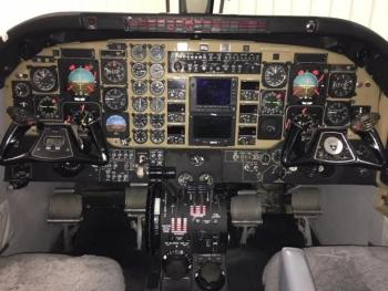 1993 BEECHCRAFT KING AIR C90B - Photo 2