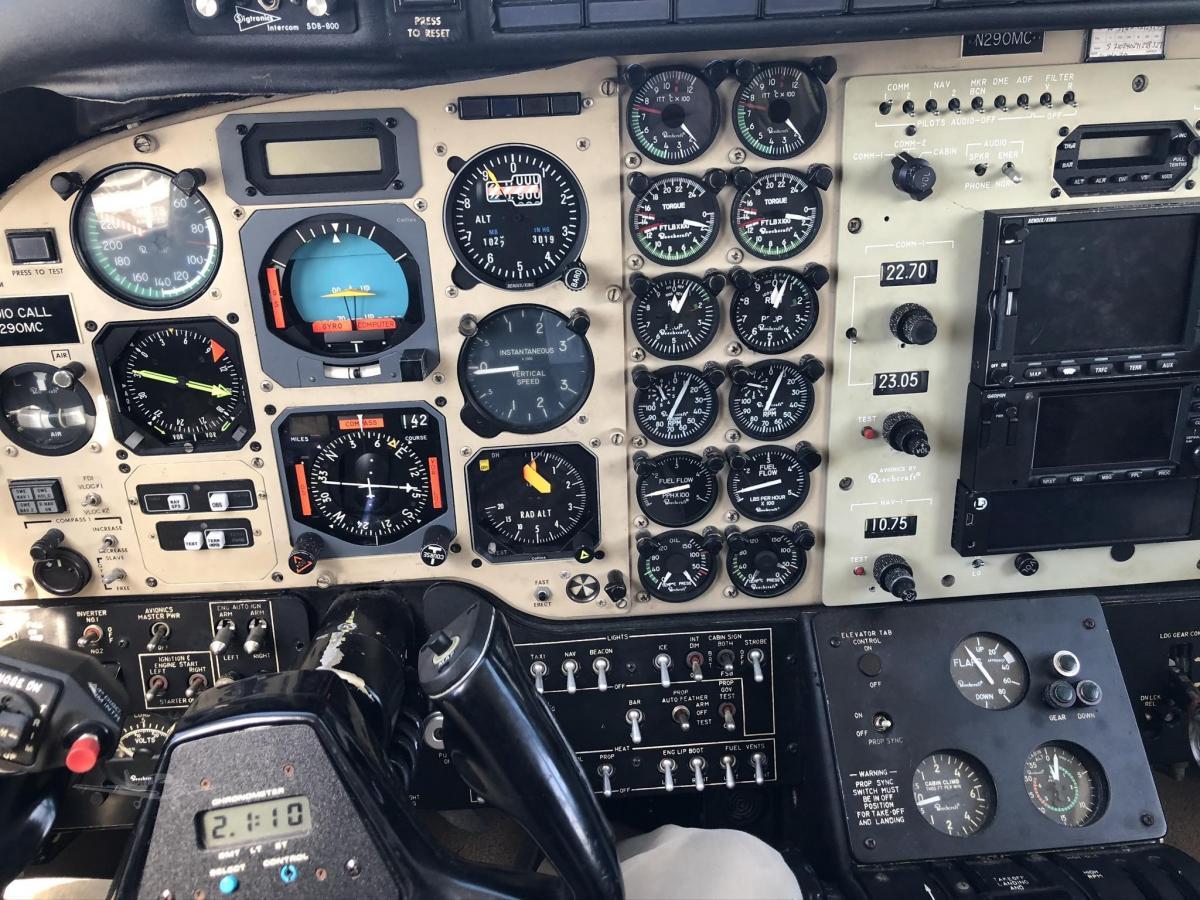 1976 BEECHCRAFT KING AIR E90 Photo 4