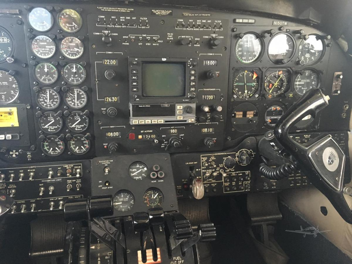 1972 BEECHCRAFT KING AIR E90 Photo 4