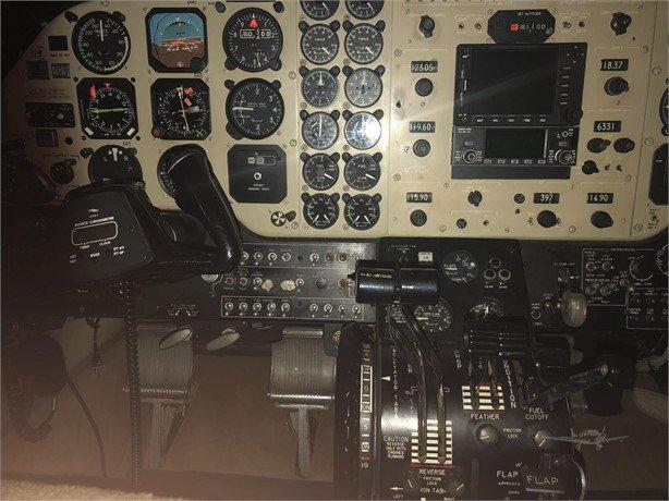 1977 BEECHCRAFT KING AIR C90 Photo 7