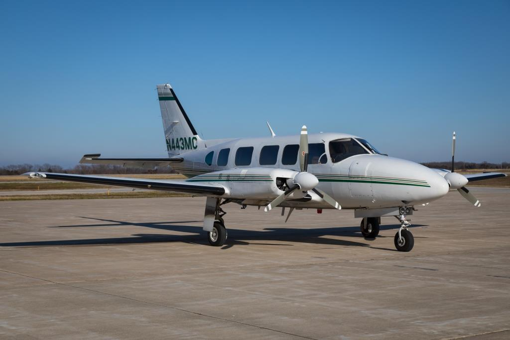 1982 Piper Chieftain PA-31-350 Photo 2