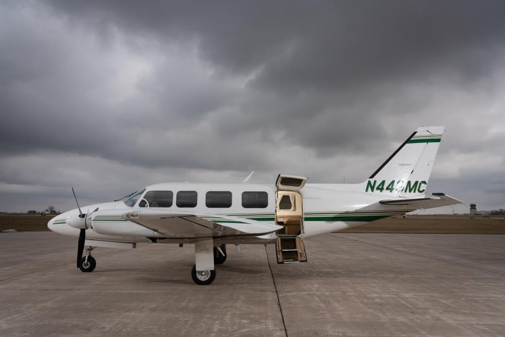 1982 Piper Chieftain PA-31-350 Photo 4