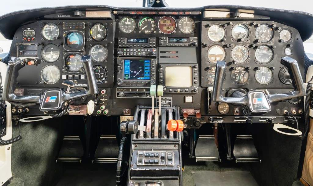 1982 Piper Chieftain PA-31-350 Photo 7