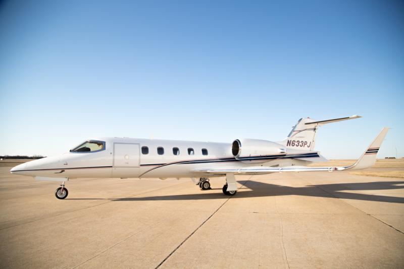 2002 Learjet 31A Photo 2