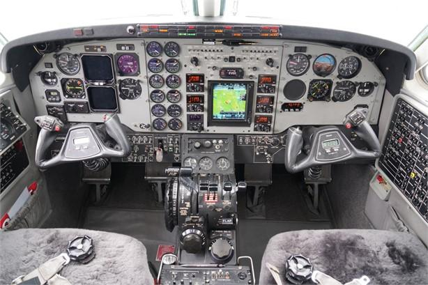 2006 BEECHCRAFT KING AIR C90GT Photo 7