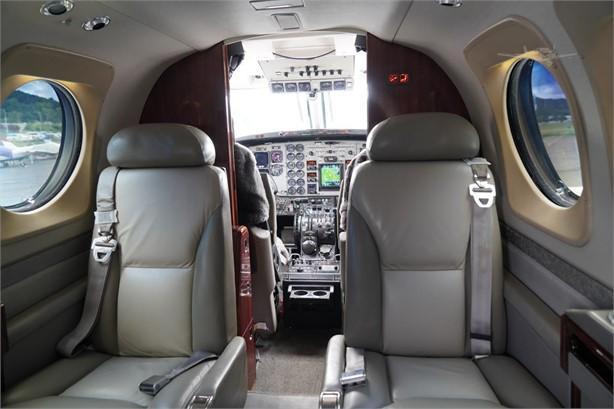 2006 BEECHCRAFT KING AIR C90GT Photo 4
