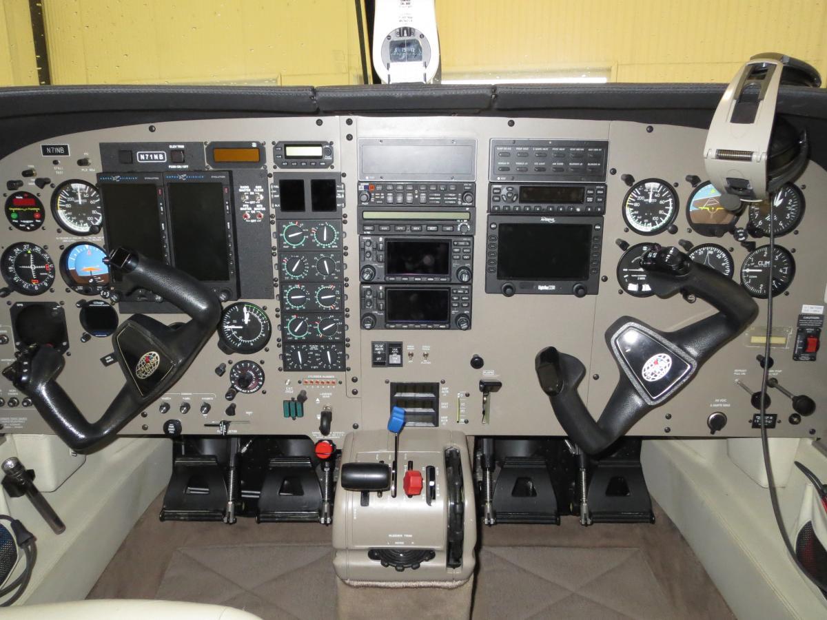 2000 Piper Mirage 350P Photo 4