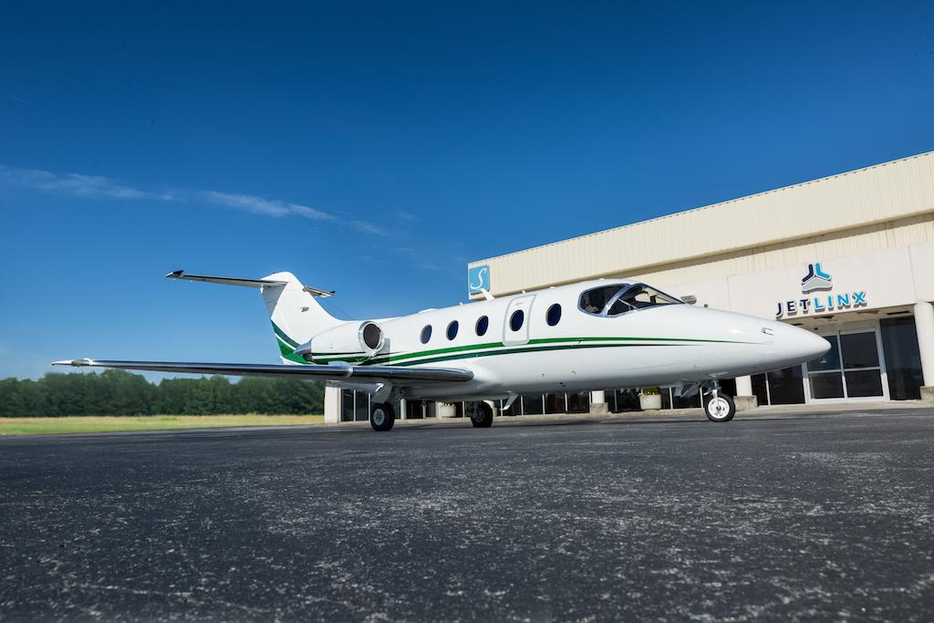 2005 Hawker 400XP Photo 2