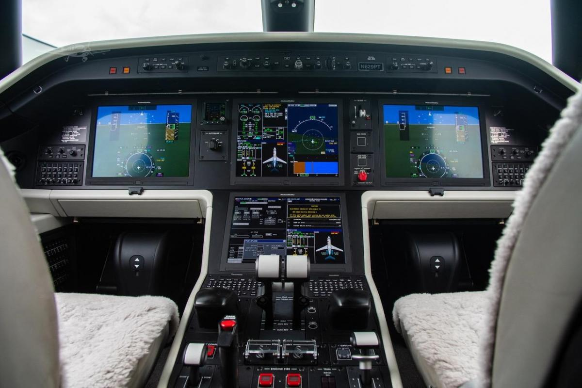 2016 EMBRAER LEGACY 450 Photo 4