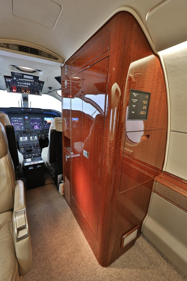 2003 Hawker 400XP Photo 4