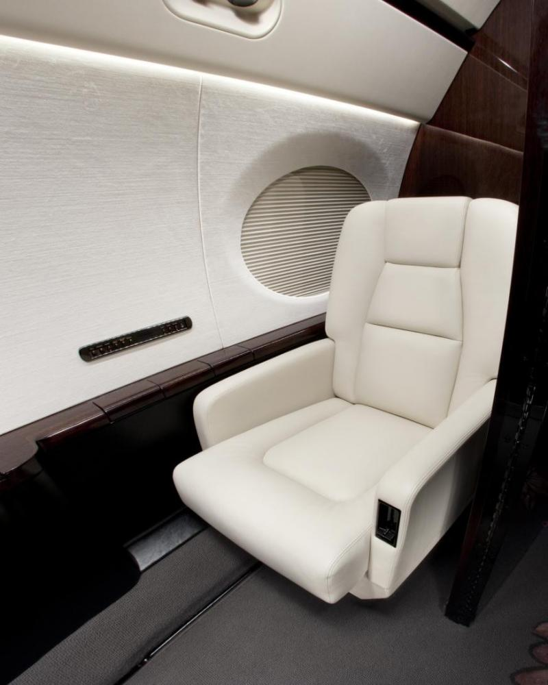 2012 Gulfstream G550 Photo 4