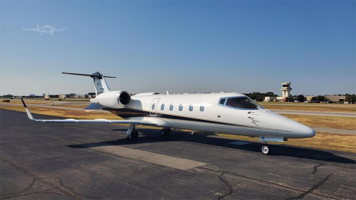 2001 LEARJET 60 Photo 2
