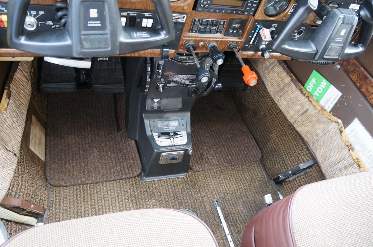 1981 Cessna P210N Photo 4
