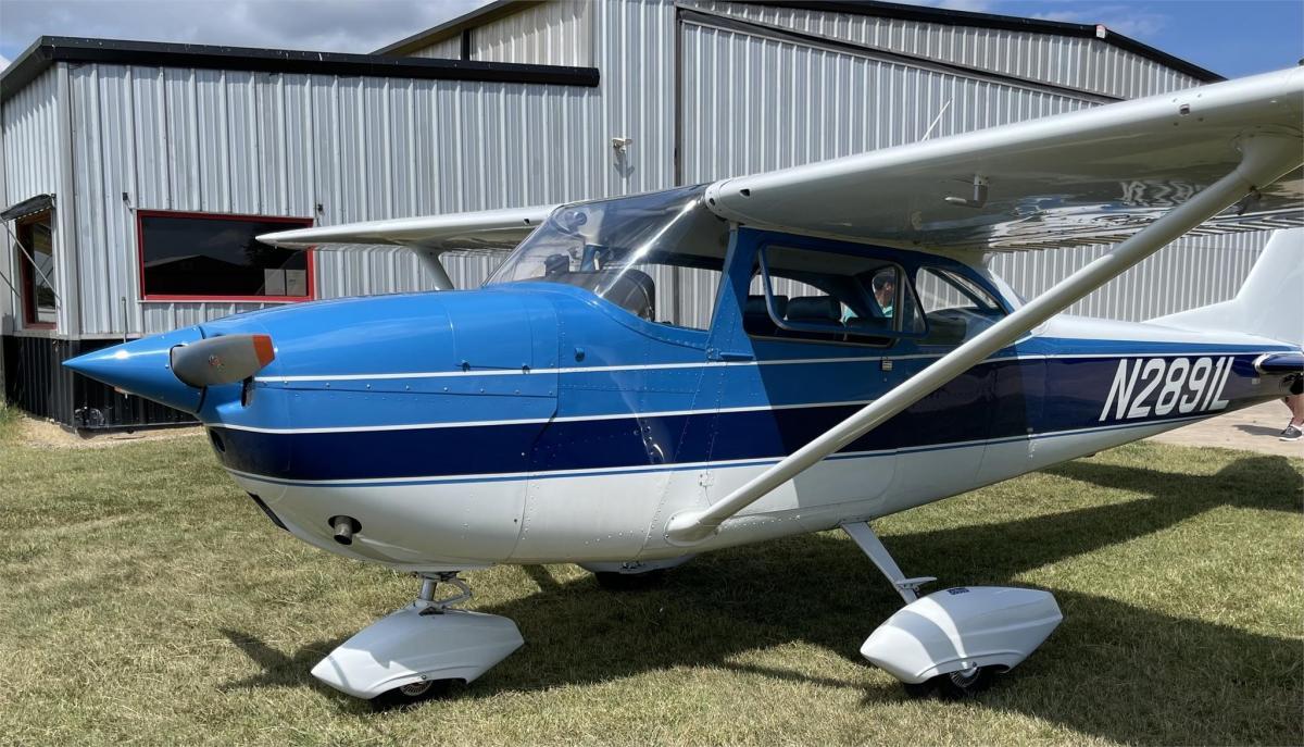 1967 Cessna 172 Skyhawk Photo 5