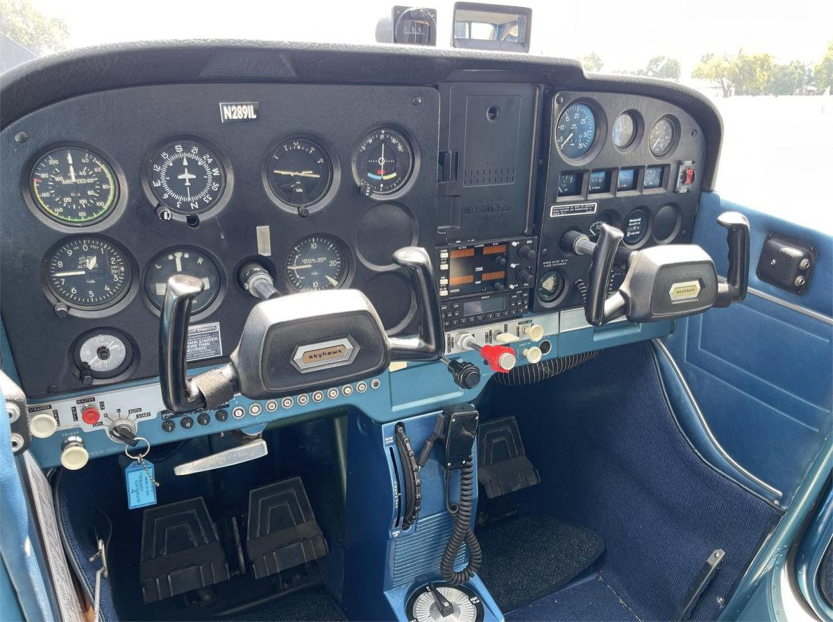 1967 Cessna 172 Skyhawk Photo 4