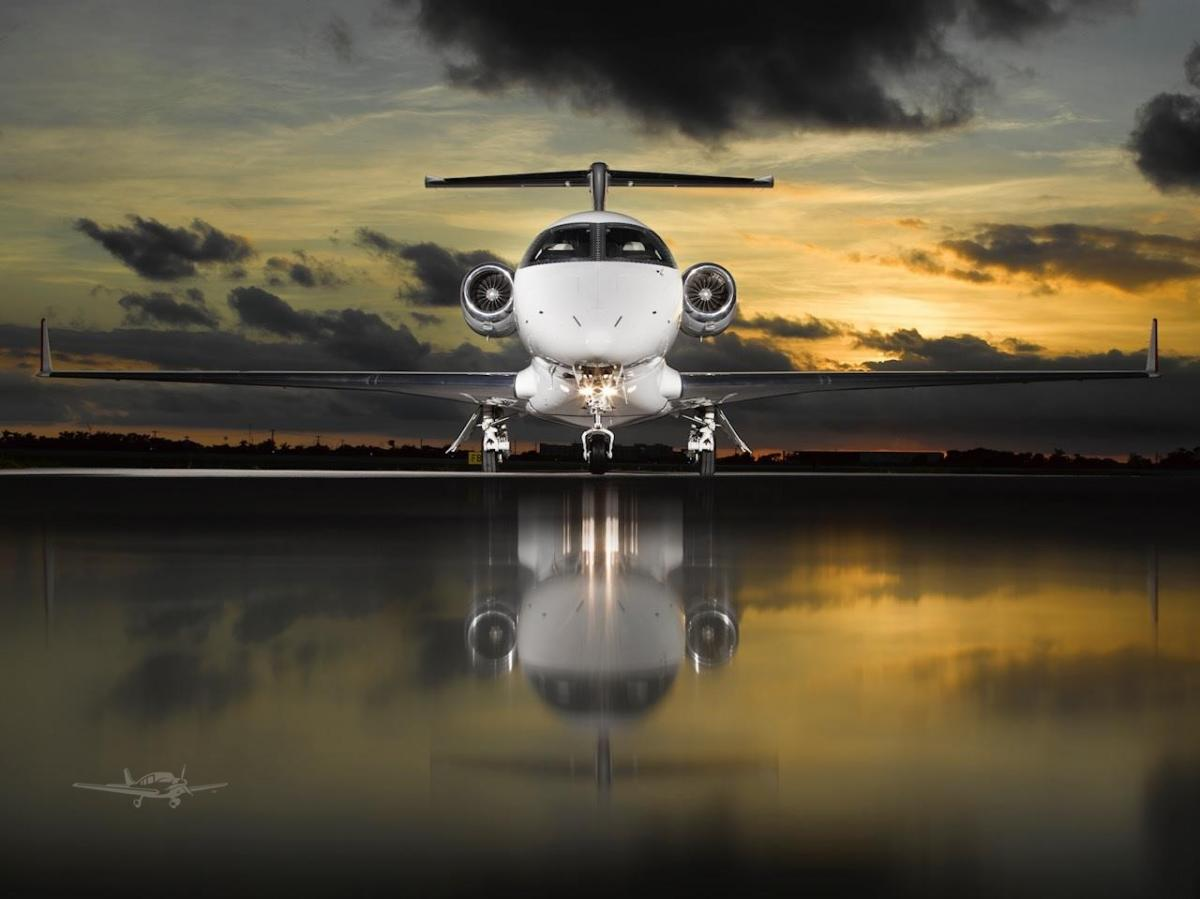 2019 EMBRAER PHENOM 300E Photo 3