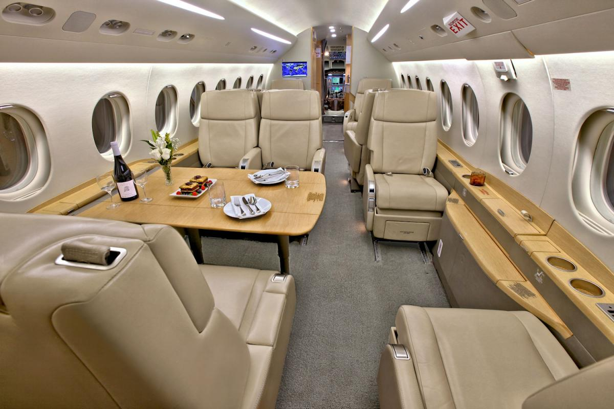 2011 Dassault Falcon 2000 LX Photo 4