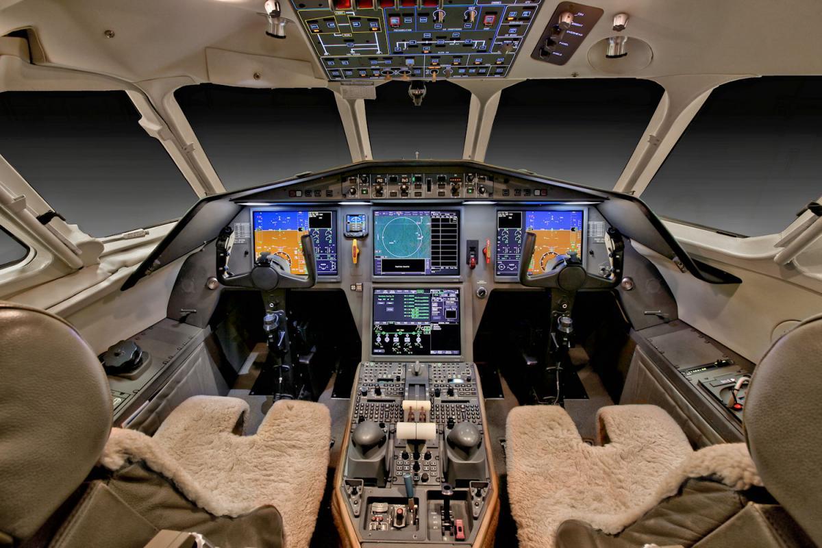 2011 Dassault Falcon 2000 LX Photo 5