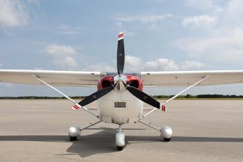 2005 Cessna 182T Skylane - Photo 3