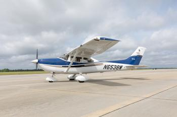 2004 Cessna 182T Skylane - Photo 2