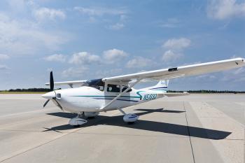 2002 Cessna 182T Skylane - Photo 2