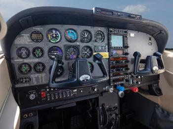 2002 Cessna 182T Skylane - Photo 7