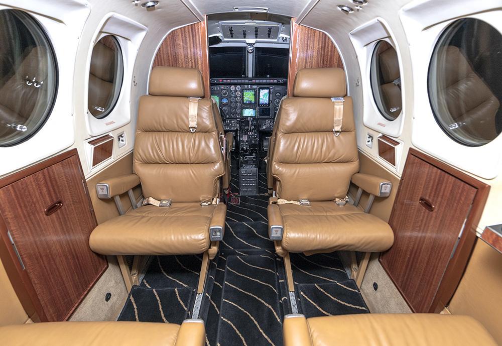 1977 Beech King Air E90 Photo 2