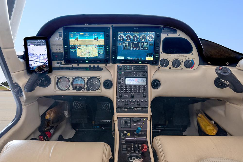 2006 Cirrus SR22T G2 GTS TURBO Photo 5