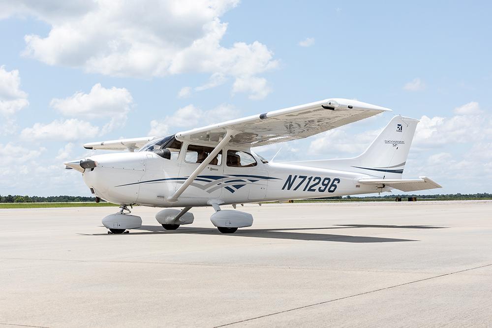 2016 Cessna 172S Skyhawk SP Photo 2