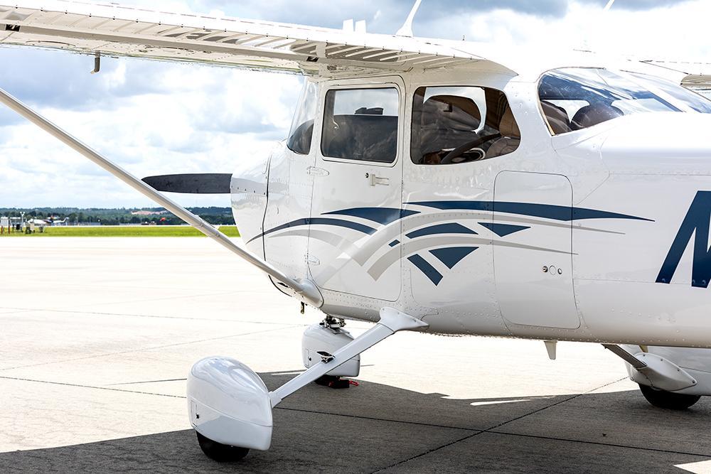 2016 Cessna 172S Skyhawk SP Photo 6