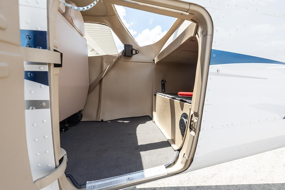 2016 Cessna 172S Skyhawk SP Photo 3