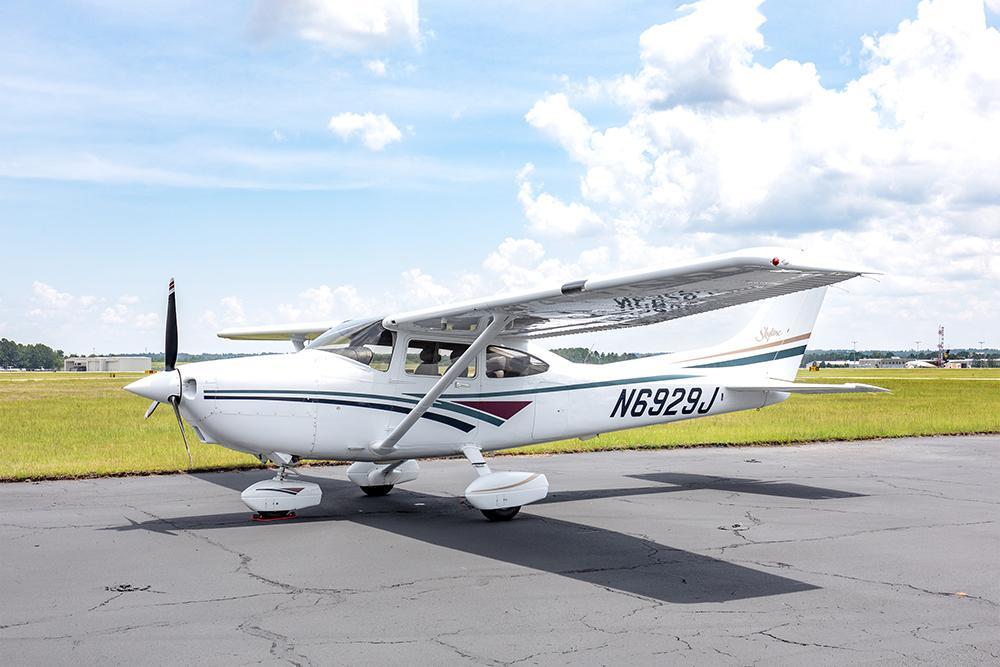 1998 Cessna 182S Skylane Photo 3