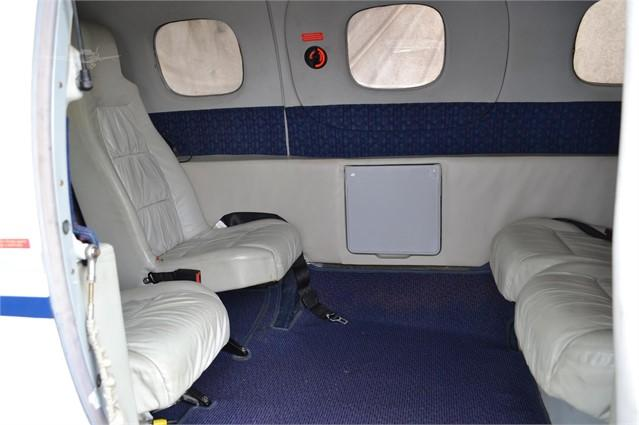 2000 EXTRA EA 400 Photo 3