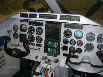 2000 EXTRA EA 400 - Photo 4