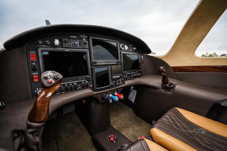 2006 Lancair IV-P Photo 5
