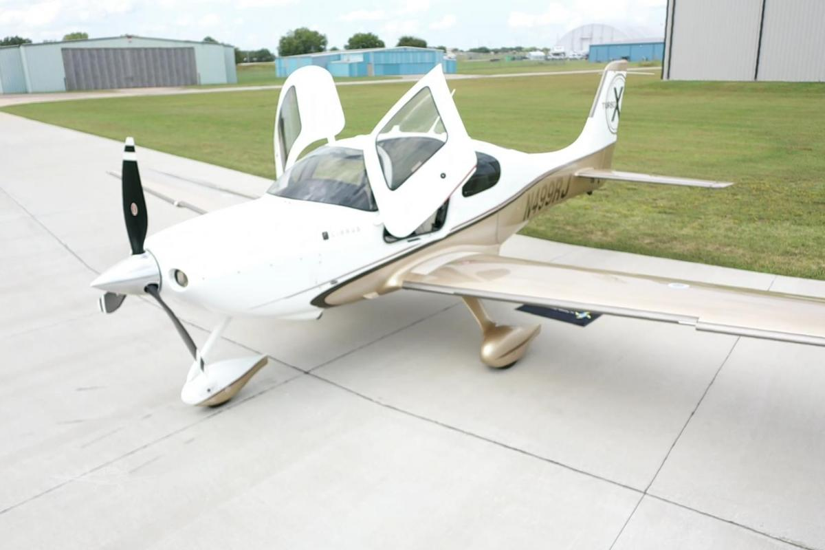 2009 CIRRUS SR22-G3 TURBO Photo 2