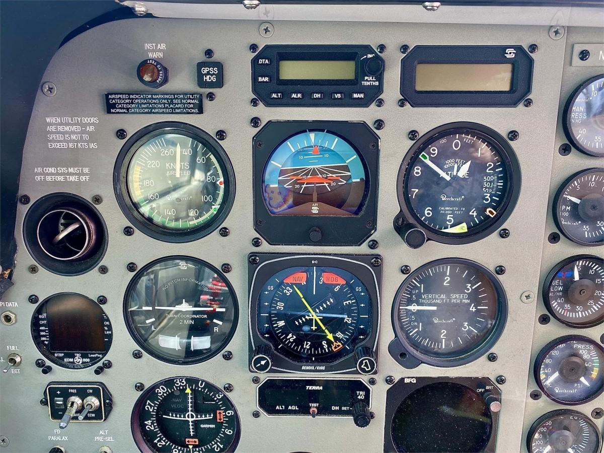 1984 BEECHCRAFT A36 BONANZA Photo 7