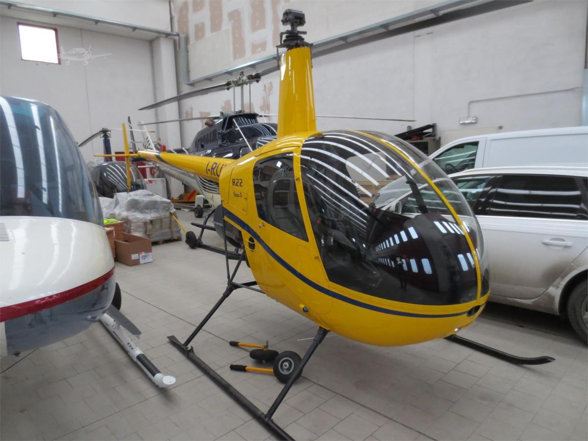 2002 ROBINSON R22 BETA II Photo 3